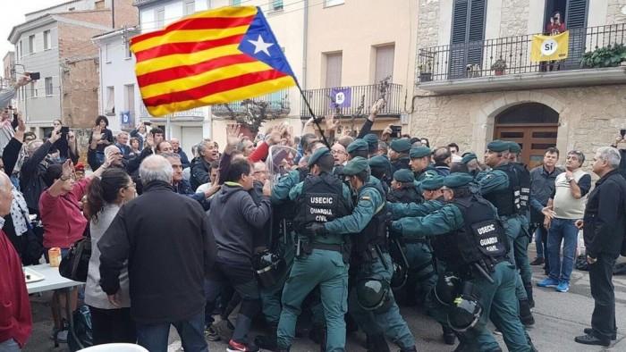 1-O-_Referendum_1_de_octubre-Cataluna-fake-news